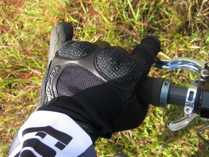 Dakine Defender glove