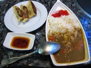 Nihon_Noodles_gyoza_curry